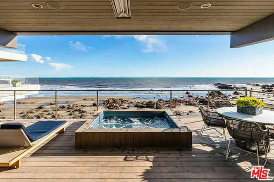 Kevin Durant's beach house in Malibu, CA Photo: Realtor.com