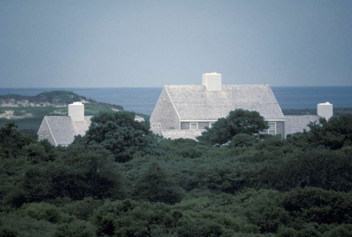 Jackie Onassis' New Home On Martha's Vineyard during Jackie Onassis Home On Martha's Vineyard at Jackie Onassis' Home in Martha, Massachusetts, United States. (Photo by Ron Galella/Ron Galella Collection via Getty Images)