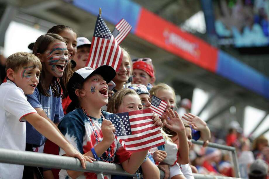 Supporters cheer before the start of the Women's World Cup round of 16 soccer match between Spain and United States at Stade Auguste-Delaune in Reims, France, Monday, June 24, 2019. (AP Photo/Alessandra Tarantino) Photo: Alessandra Tarantino / Associated Press / Copyright 2019 The Associated Press. All rights reserved