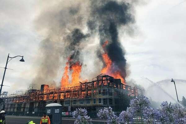 Massive fire destroys construction site in Santa Clara