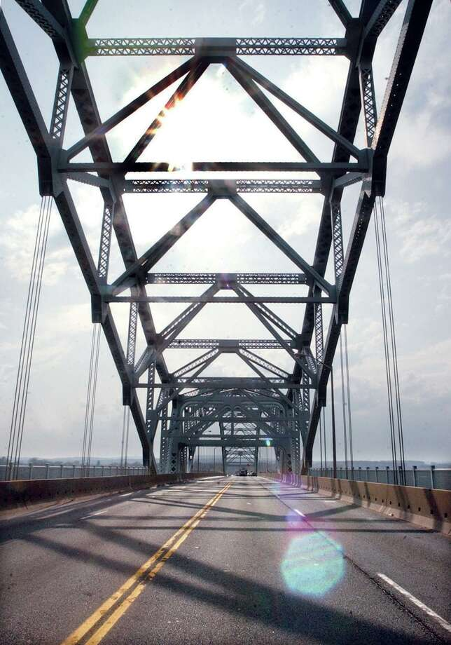 The Arrigoni Bridge stands void of traffic while Thursday's accident is cleared. The Bridge which opened in 1936 has been the scene of countless accidents.............TW photo........042304