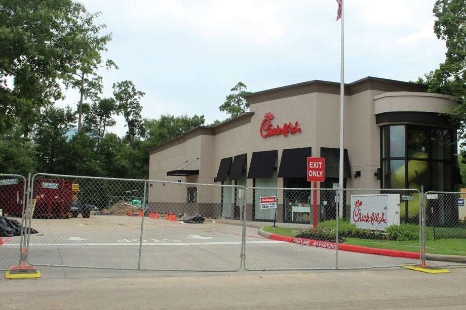 The Woodlands' Chick-fil-A along Lake Woodlands Drive is pictured under construction. Photo: Jane Stueckemann / The Villager