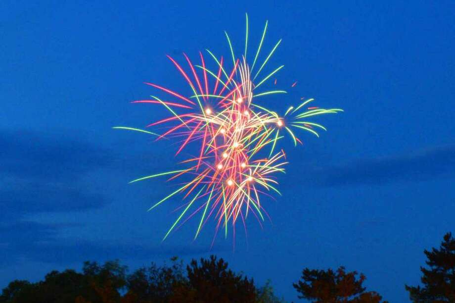 Middletown will host its fireworks festival Saturday from 5 to 10 p.m. Pyrotechnics can be viewed from many locations, including the City Hall lawn, Harbor Park and Connecticut Valley Hospital. A variety of food trucks, children's chalk art and musicians will be part of the festivities. Photo: Hearst Connecticut Media File Photo
