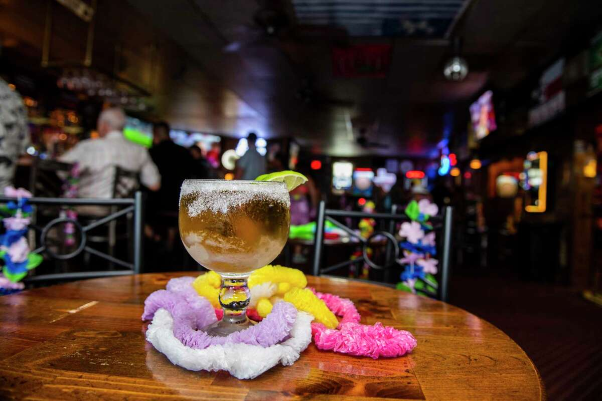 Schooners Sports Bar won Best Place for a Cold Beer in the Express News 2019 Readers Choice.