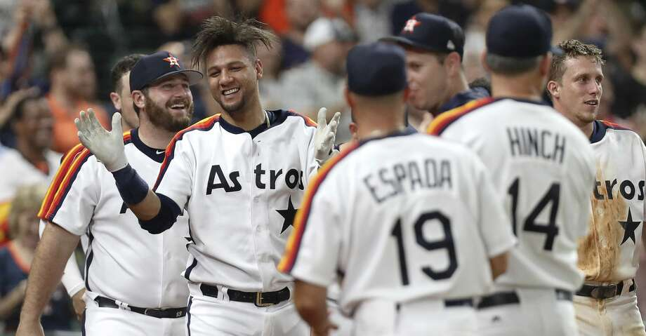 Yuli Gurriel, Astros get walkoff win over Mariners in 10 innings