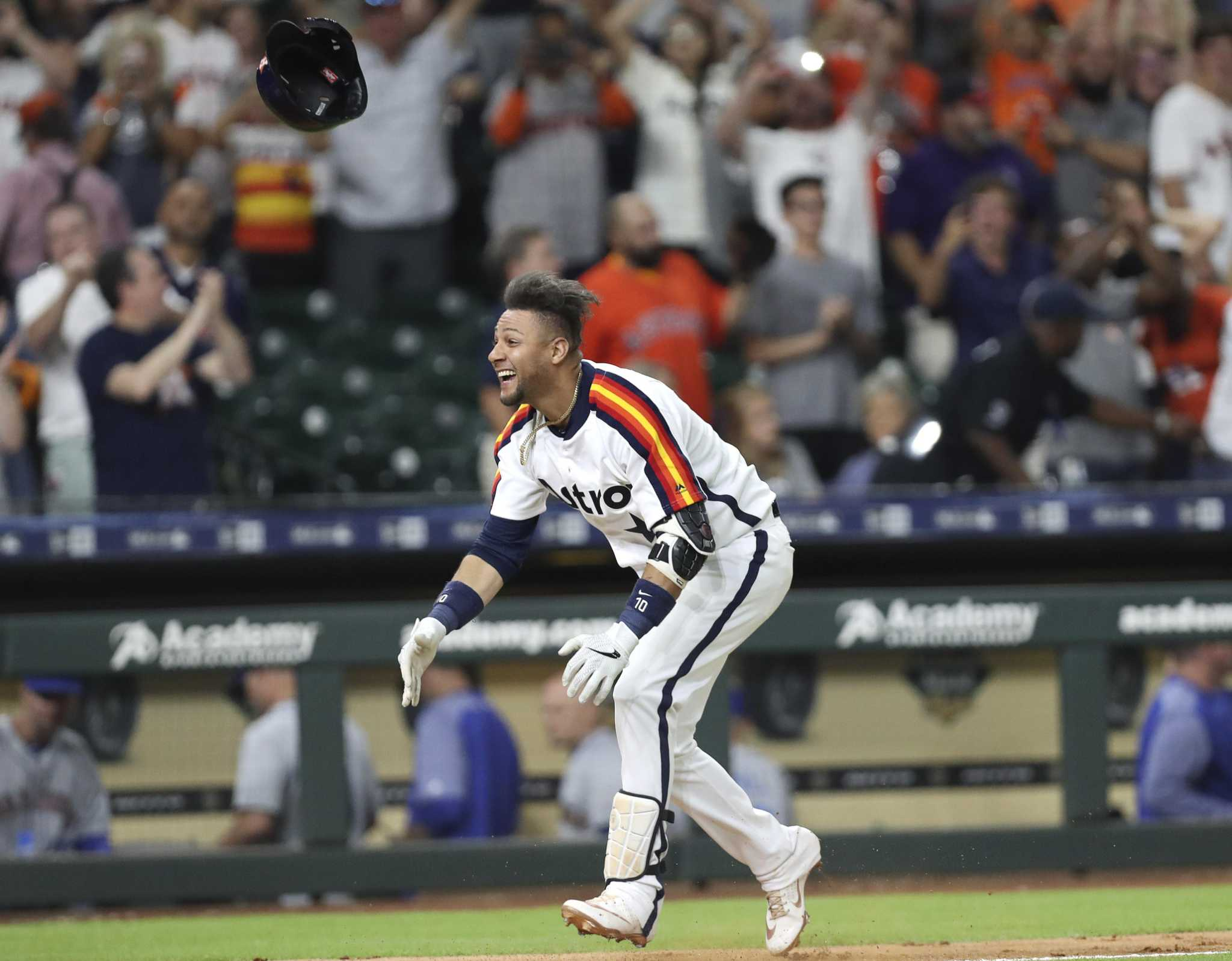 Yuli Gurriel's homer in 10th lifts Astros past Mariners