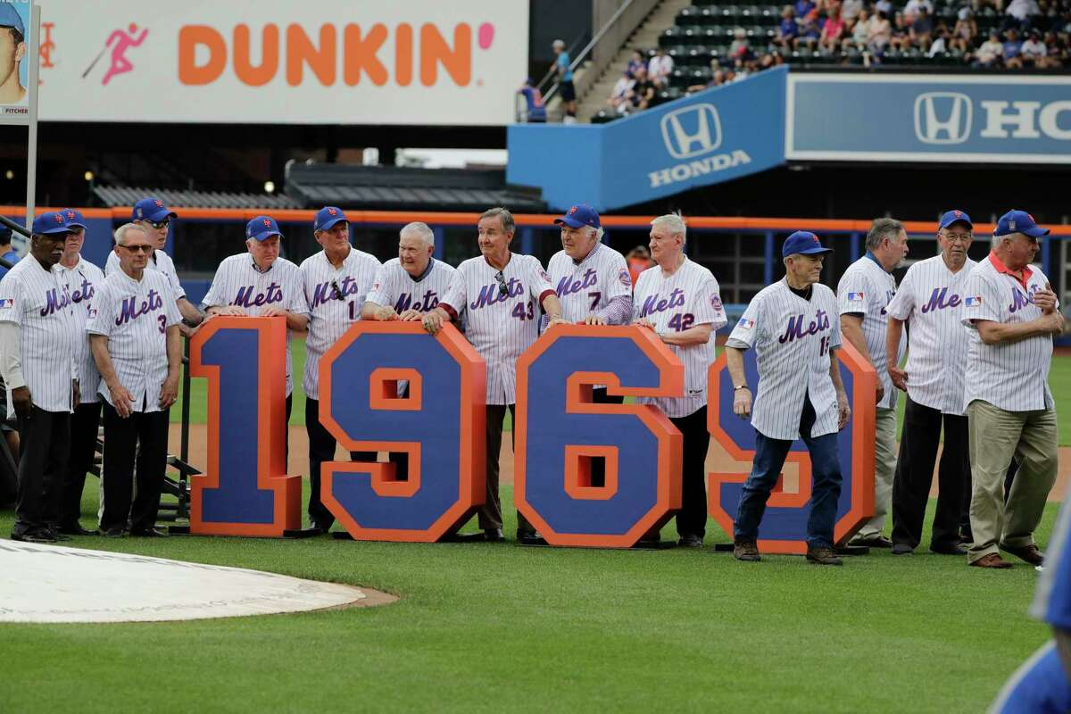 The 1969 mets leave the field after a pre-game ceremony to honor them before a baseball game against the Atlanta Braves Saturday, June 29, 2019, in New York. (AP Photo/Frank Franklin II)