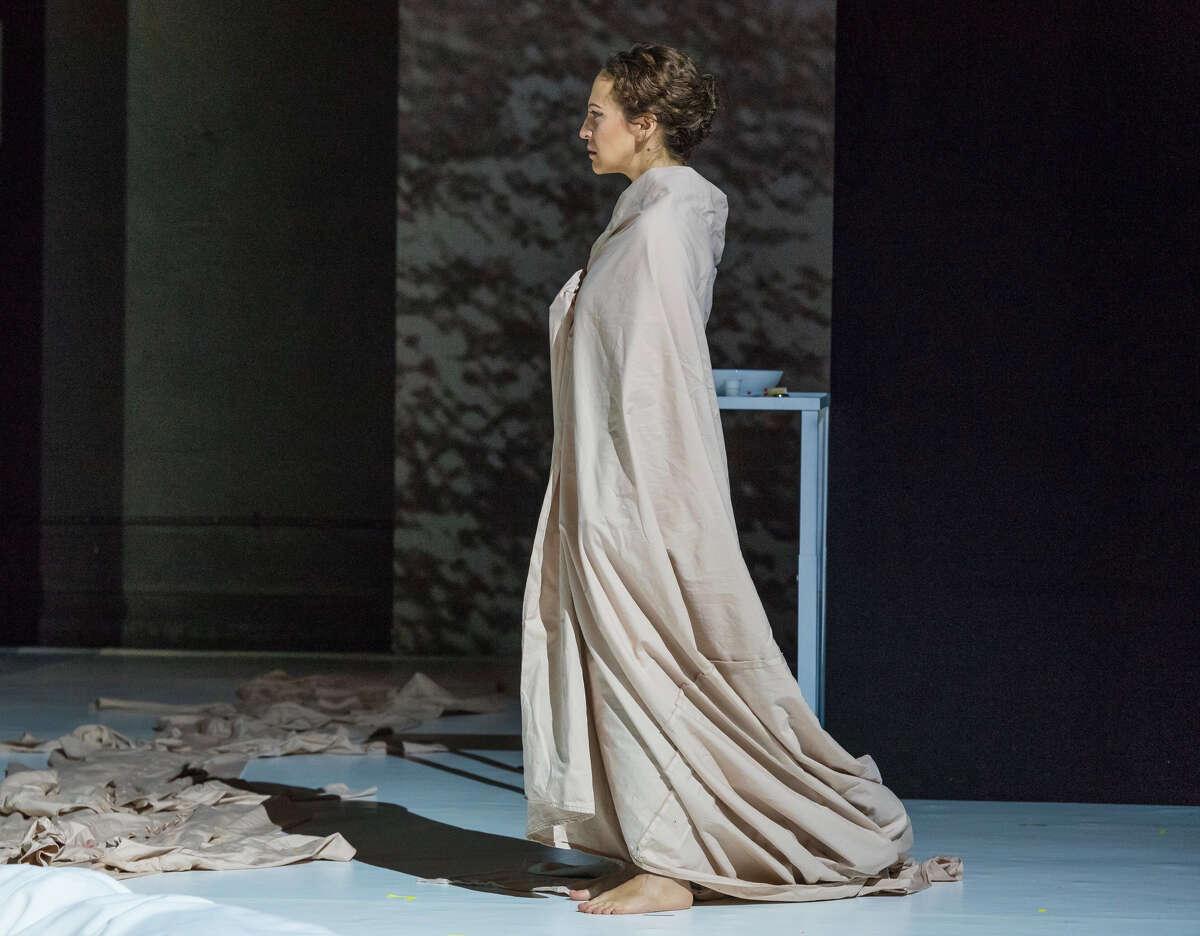 Jennifer Zetlan in Opera Saratoga's production of