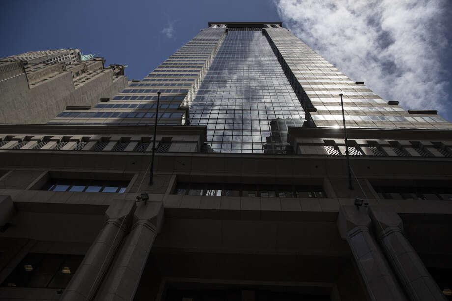 Empty Desks And Early Beers Life At Deutsche Bank In New York San