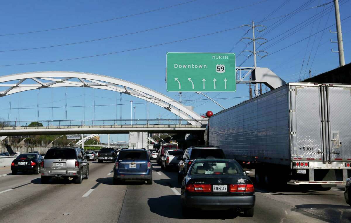 Traffic moves north on Interstate 69 toward Spur 527 on Feb. 23, 2017, in Houston. The exit to Smith Street from Spur 527, used by many commuters, will close for the next few months. >>Major transportation projects that will shape Houston in 2019