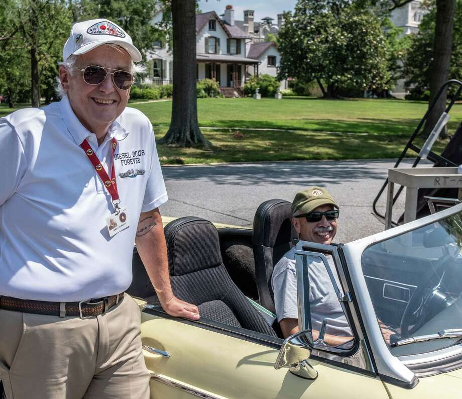 Veterans given rides in classic British sports cars they ...  Veterans given ...