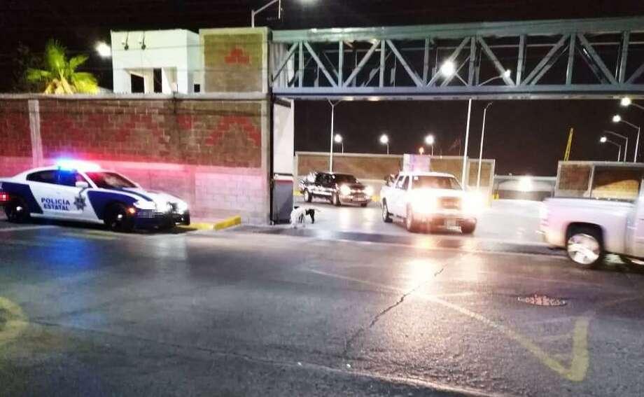 Las autoridades de Tamaulipas, junto con funcionarios locales y federales, guiaron a 301 vehículos al punto de control del kilómetro 26 de la carretera Nuevo Laredo-Monterrey. Photo: Foto De Cortesía /Policía Del Estado De Tamaulipas