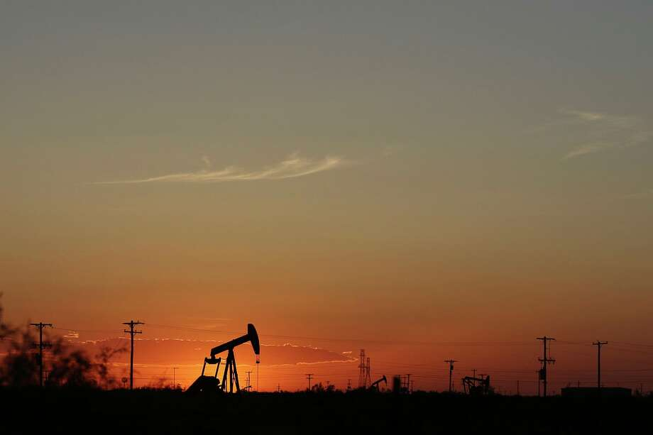 U.S. oil production hit another record in April, after breaking the previous record the month before. Photo: Jacob Ford, MBI / Associated Press / Odessa American