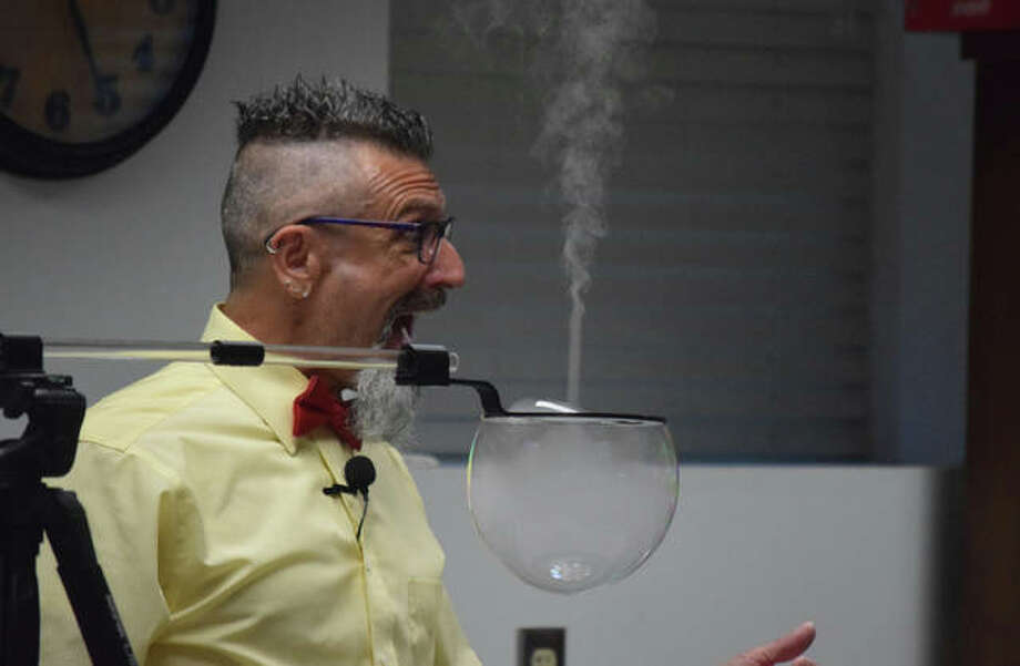 Sights from the Absolute Science Bubbles show at the Jacksonville Public Library Tuesday. Photo: Samantha McDaniel-Ogletree | Journal-Courier