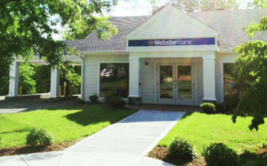 File photo of Webster Bank's branch at 53 Main Street in New Milford Photo: Norm Cummings / Norm Cummings / The News-Times