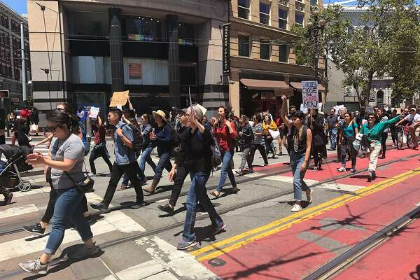 Hundreds shut down San Francisco streets to protest migrant