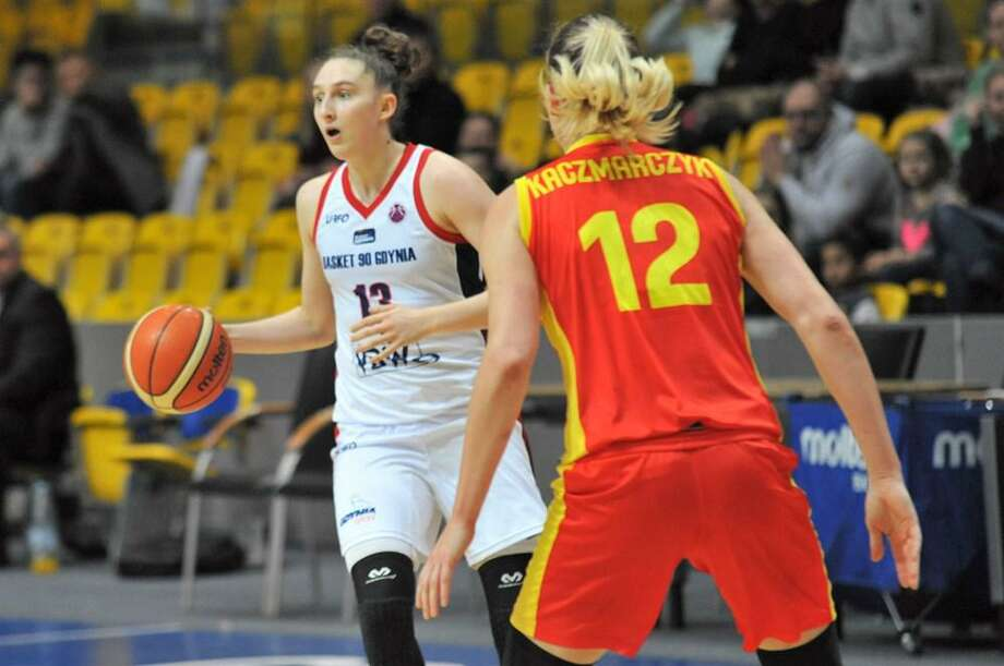 UConn freshman Anna Makurat. Photo: Tadeusz Lademan / Fiba.basketball