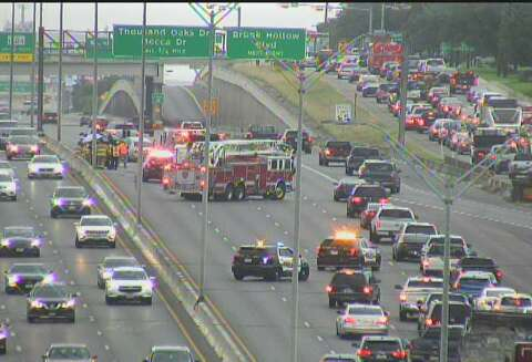 Traffic flowing on US 281 after major wreck - San Antonio Express-News