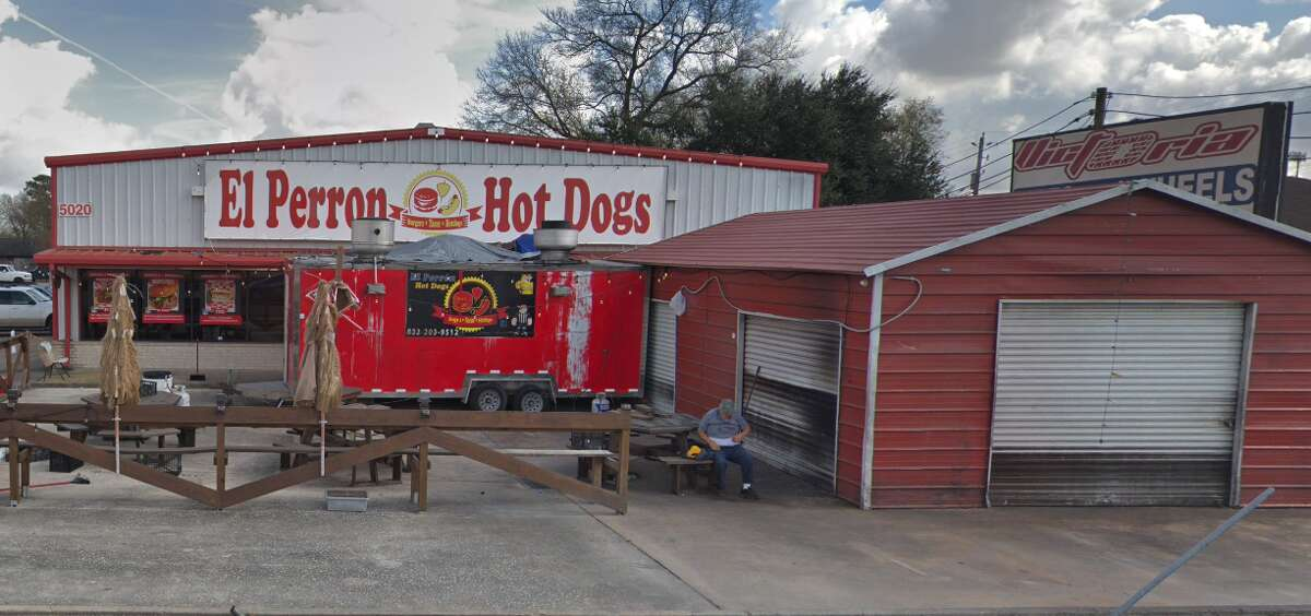 """14. El Perron Hot Dogs Address: 5020 East Sam Houston Parkway N, Houston, TX 77015 Stars: 2 """"Good food, horrible service. Waiter came to table to asked what we ordered 3 times, had to ask to at-least bring out our drinks out."""""""