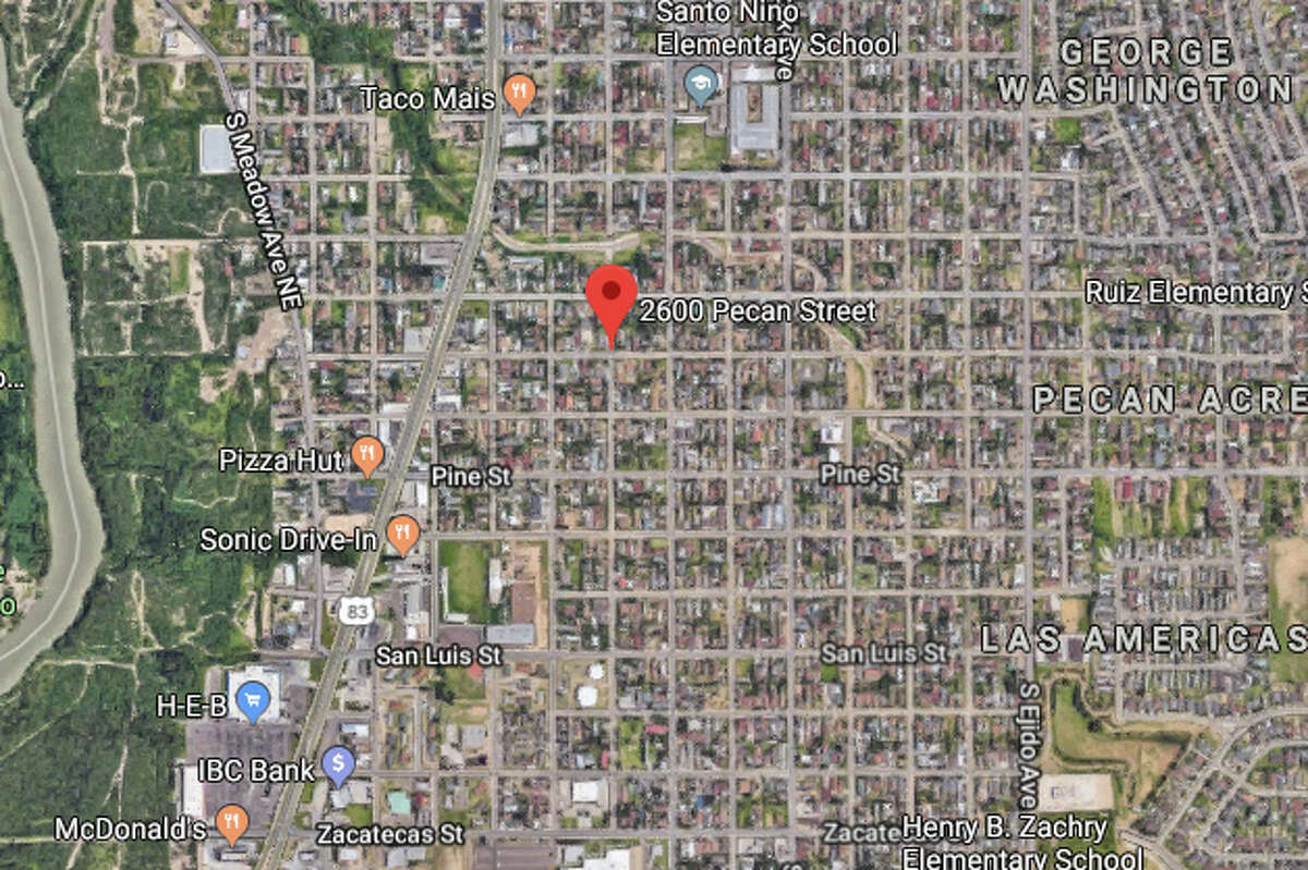 A woman stated that she was walking in the 2600 block of Pecan Street when she was stabbed.