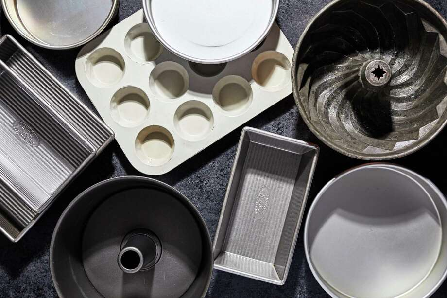 Food chat: Glass or metal? The choice could change how you bake.