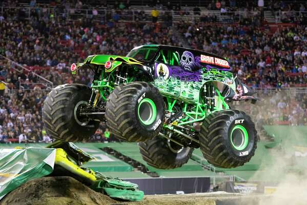 Monster Jam S First San Antonio Summer Show Features Dedicated Drivers Record Breakers Expressnews Com