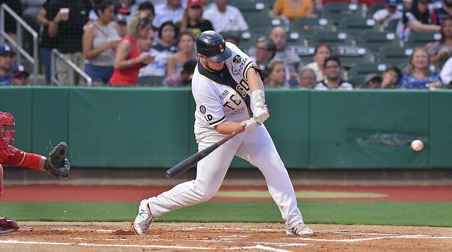 Designated hitter Balbino Fuenmayor leads the Tecolotes Dos Laredos into their final week of regular season home games this year as the team makes its final push to get into the playoff field. Photo: Cuate Santos /Laredo Morning Times File / Laredo Morning Times