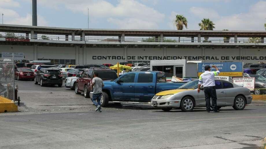 Autoridades señalaron que el módulo CITEV cuenta con paramédicos para atender a paisanos que pudieran presentar algún malestar por las altas temperaturas. Photo: Foto De Cortesía /Gobierno Municipal De Nuevo Laredo