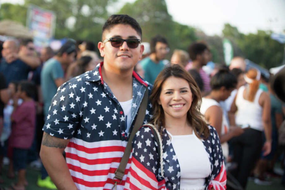 San Antonio celebrated the 4th of July at Woodlawn Lake. Photo: B. Kay Richter