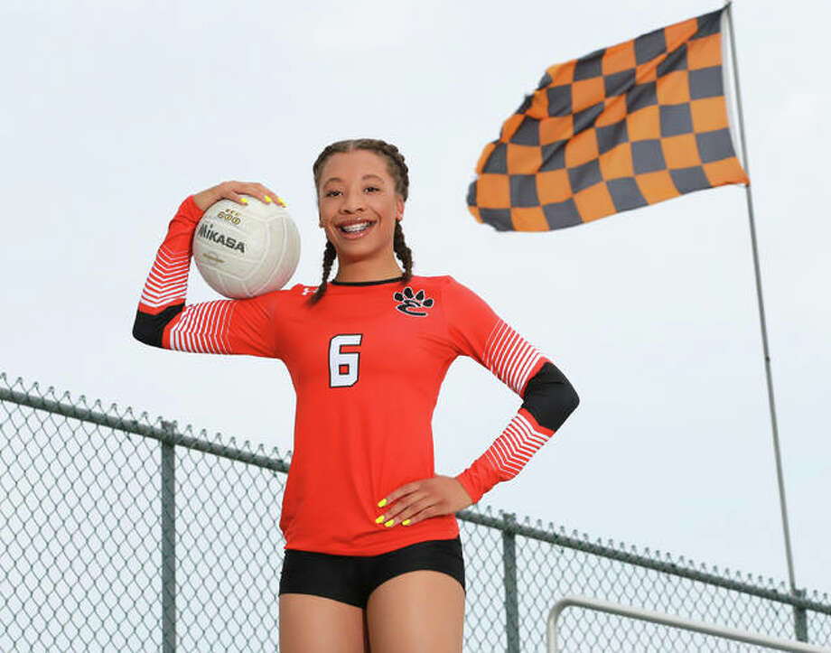 Edwardsville's Alexa Harris is the 2018 Telegraph Large-Schools Volleyball Player of the Year after leading the Southwestern Conference champion Tigers in both kills and digs. Photo: Billy Hurst / For The Telegraph