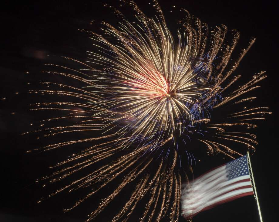 Fireworks light up the sky 07/04/19 at the Star-Spangled Salute at Hogan Park. Tim Fischer/Reporter-Telegram Photo: Tim Fischer/Midland Reporter-Telegram