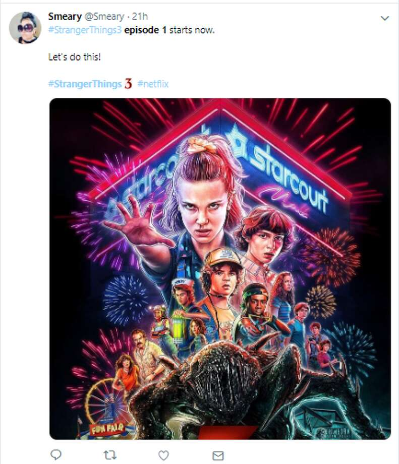 #StrangerThings3 episode 1 starts now. 