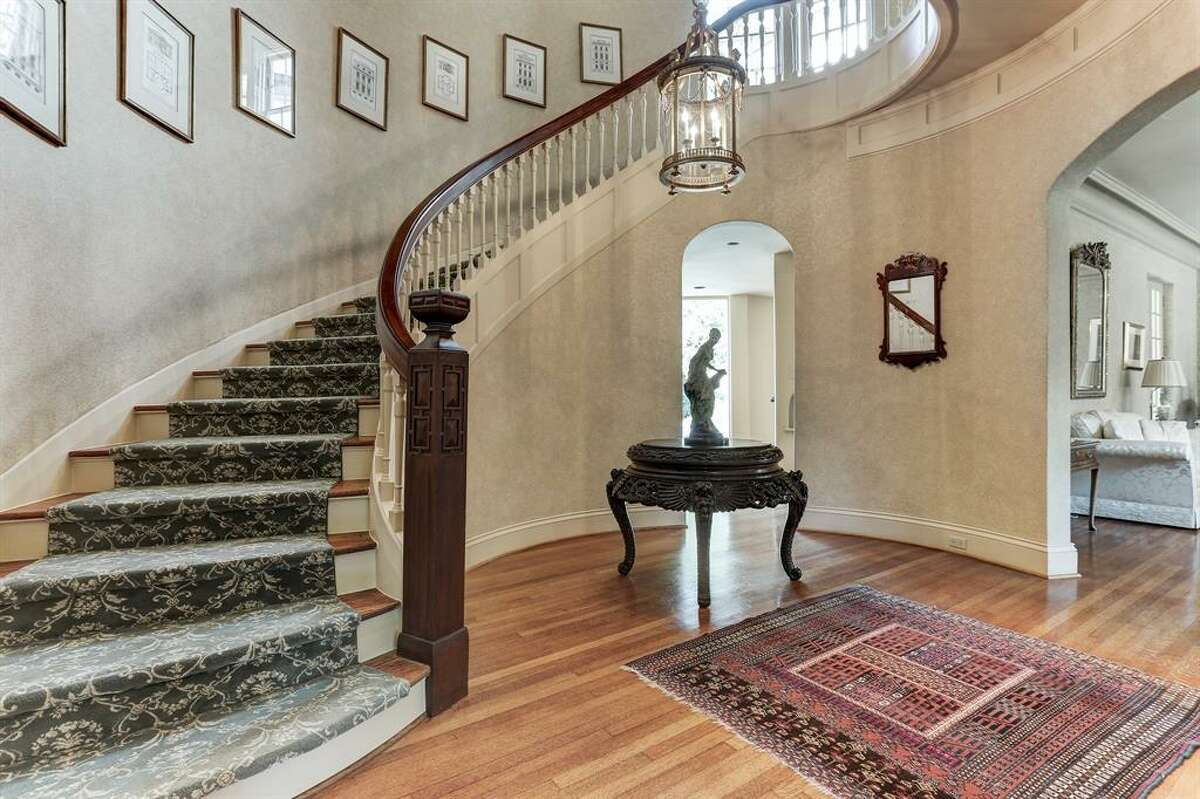 The historic home at1512 South Boulevard in the Museum District was originally built in 1925. The stunning estate was designed and later renovated by several prominent architects, including Billy W. Francis and L.W. Lindsay.