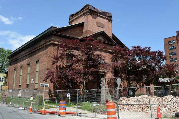 Watervliet cuts bell tower off church to save building