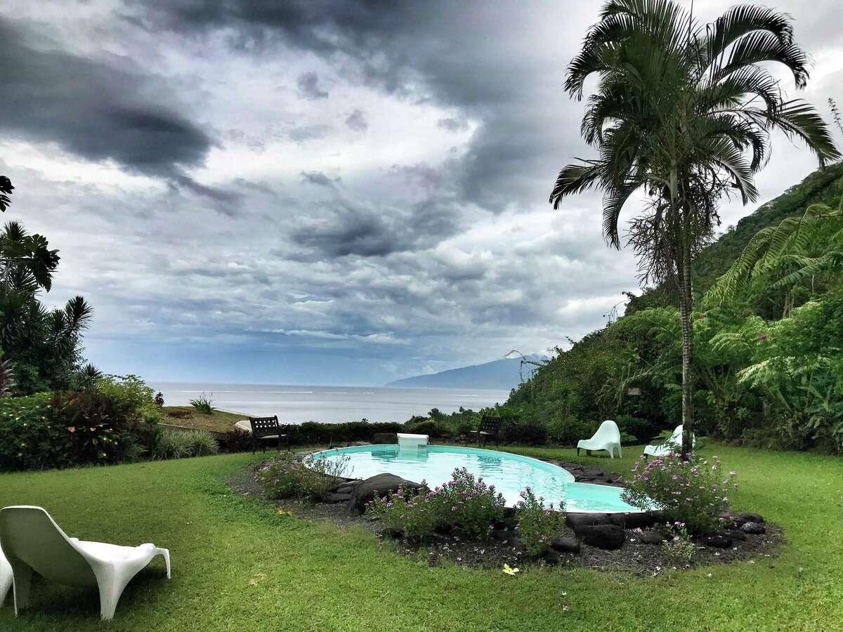 The pool at Vanira Lodge, Tahiti Iti