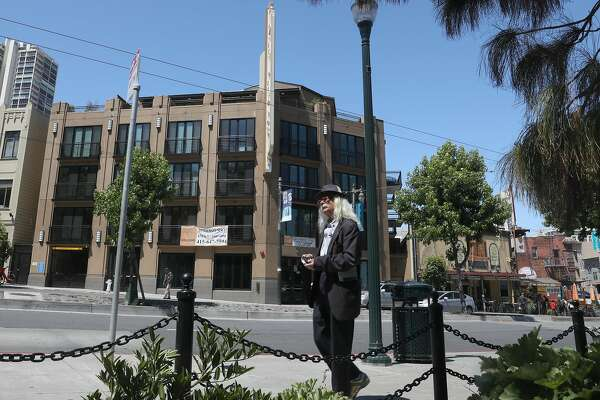 Chain store bans in San Francisco leave more shops empty, critics say