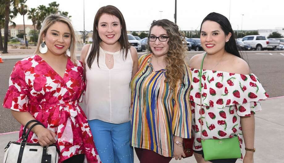 Fans of Luis Miguel head out to the Sames Auto Arena on Tuesday, Jul 2, 2019, during the singer's 2019 tour. Photo: Danny Zaragoza