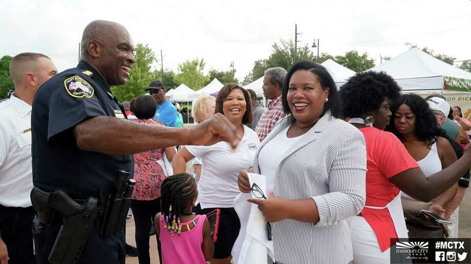 Fort Bend County Constable Daryl Smith Sr. (left) and Missouri City Mayor Yolanda Ford were among the VIP guests at the ribbon-cutting ceremony to celebrate the grand opening of a new farmer's market in Missouri City recently. Photo courtesy: City of Missouri City