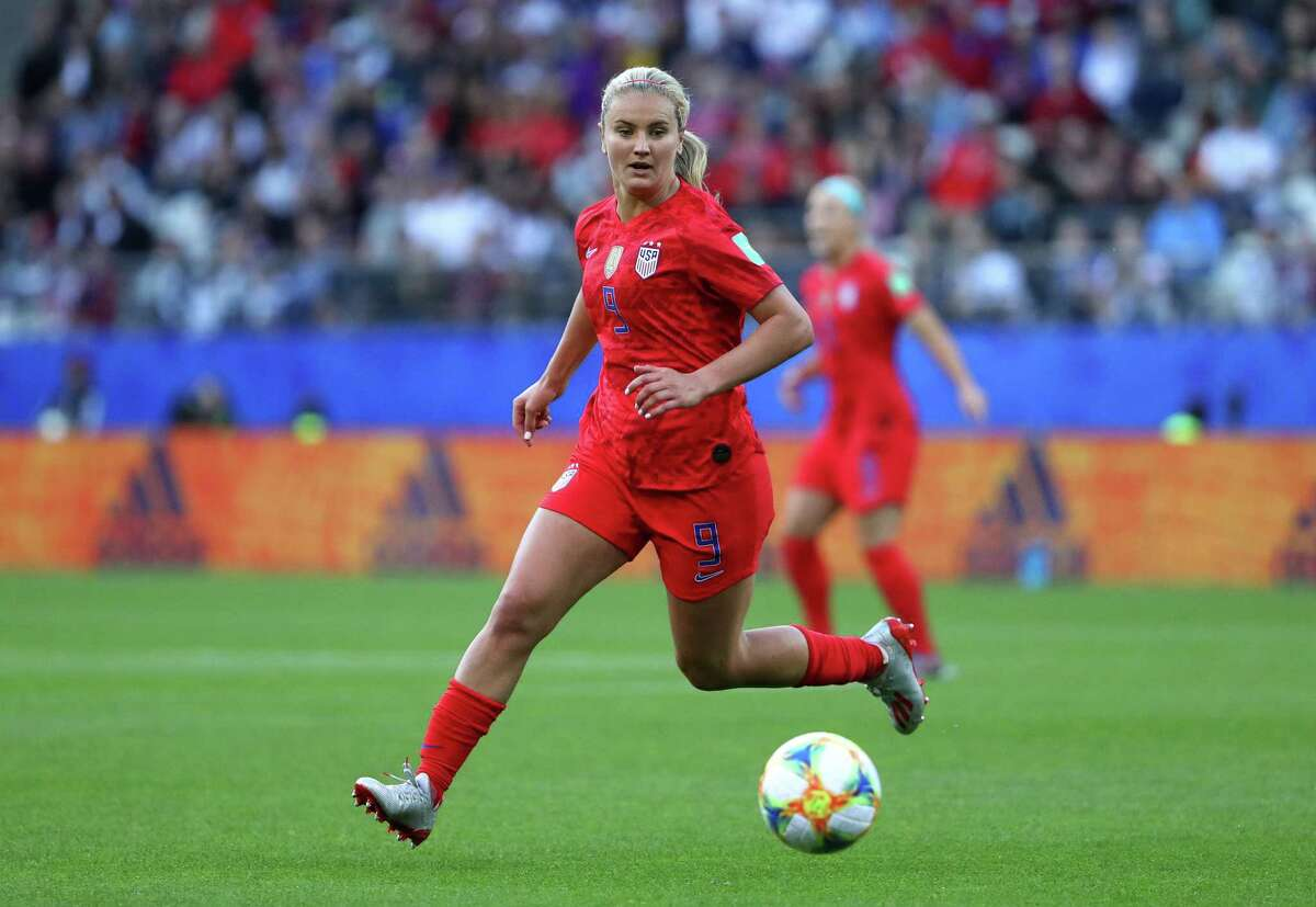 REIMS, FRANCE - JUNE 11: Lindsey Horan of the USA runs with the ball during the 2019 FIFA Women's World Cup France group F match between USA and Thailand at Stade Auguste Delaune on June 11, 2019 in Reims, France. (Photo by Robert Cianflone/Getty Images)