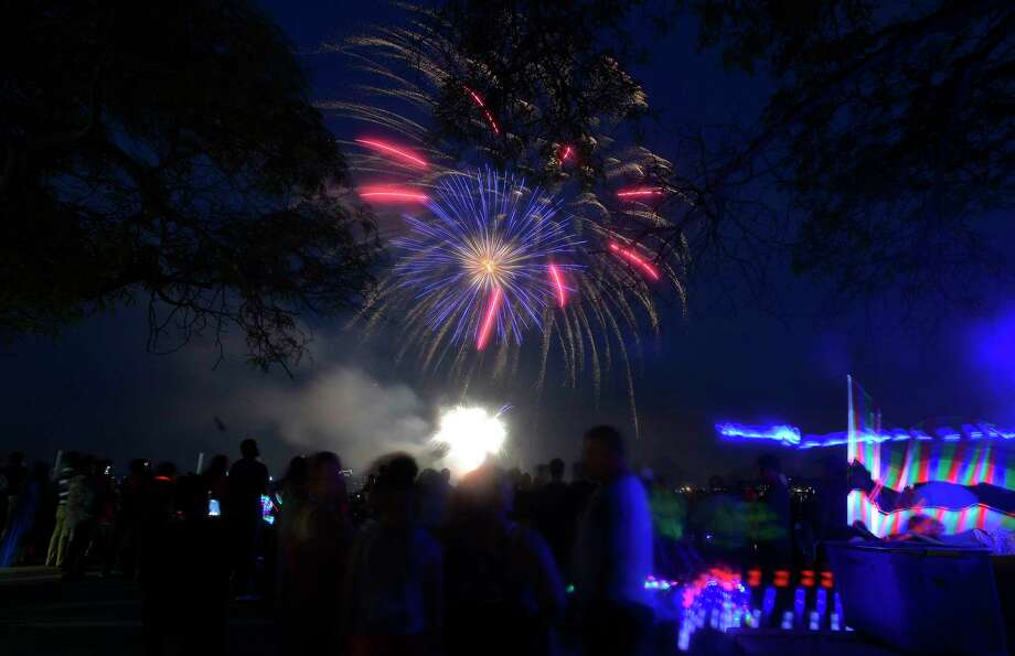 FILE PHOTO: A fireworks spectacular lights up the skies over Cummings Park and Beach on Thursday, June 30, 2017 in Stamford, Connecticut. Photo: Matthew Brown / Hearst Connecticut Media / Stamford Advocate