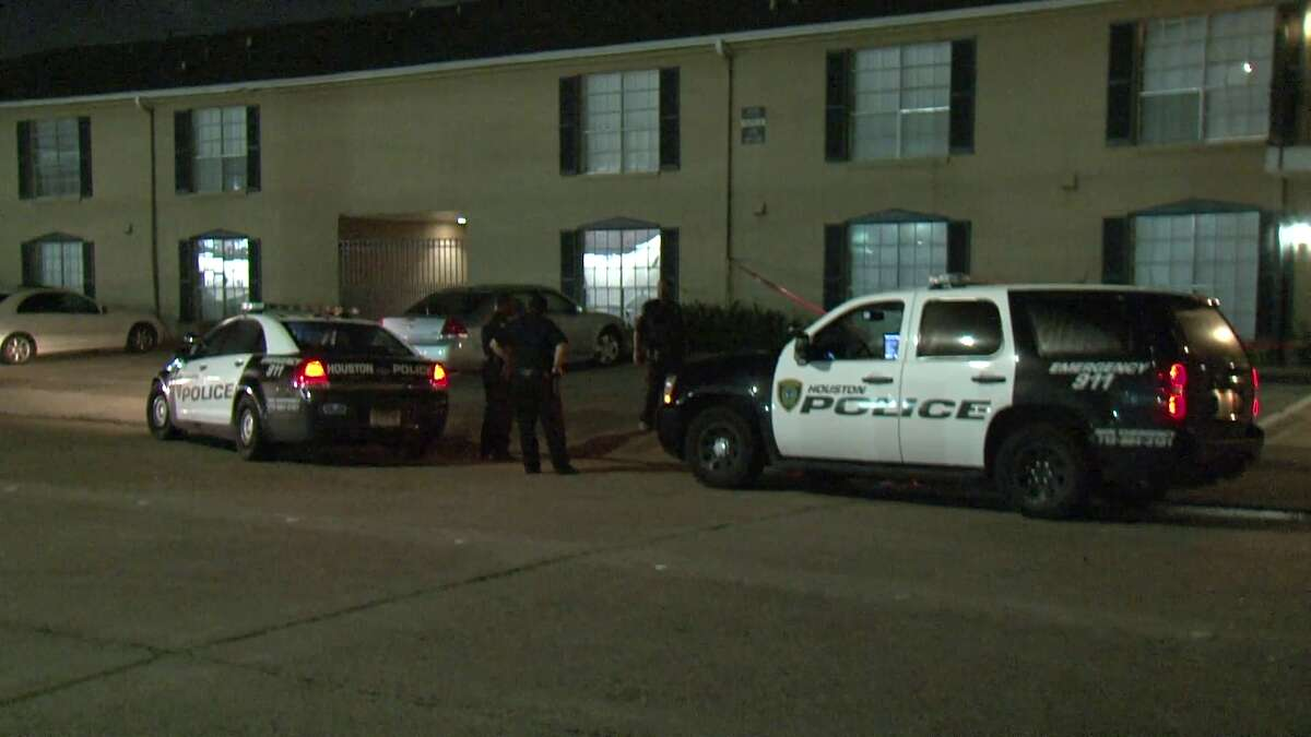 """Homicide detectives are investigating after a """"substantial amount"""" of blood was found outside of a Meyerland Park apartment."""