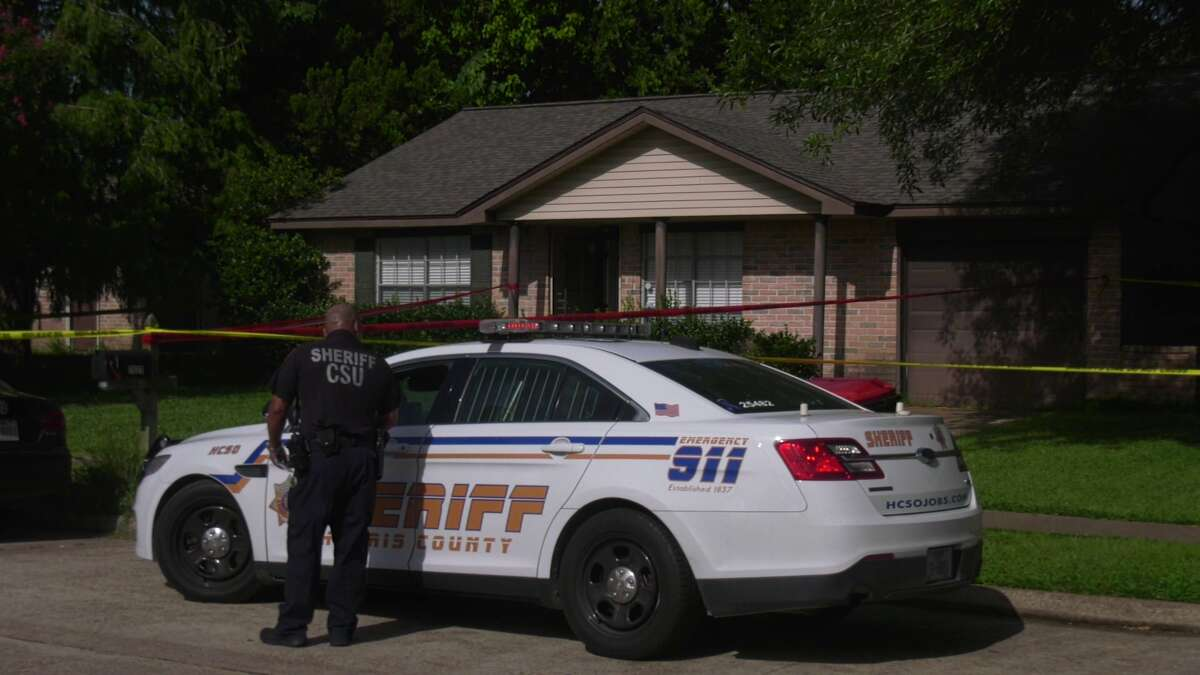 A sheriff's deputy died Saturday after experiencing a medical emergency at the scene of a stabbing in northwest Harris County.