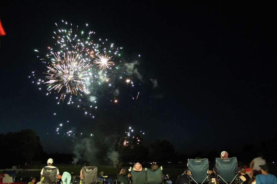 Skero's Furniture hosted the 5th of July Fireworks event at The Overlook in Atascocita. Photo: Kaila Contreras