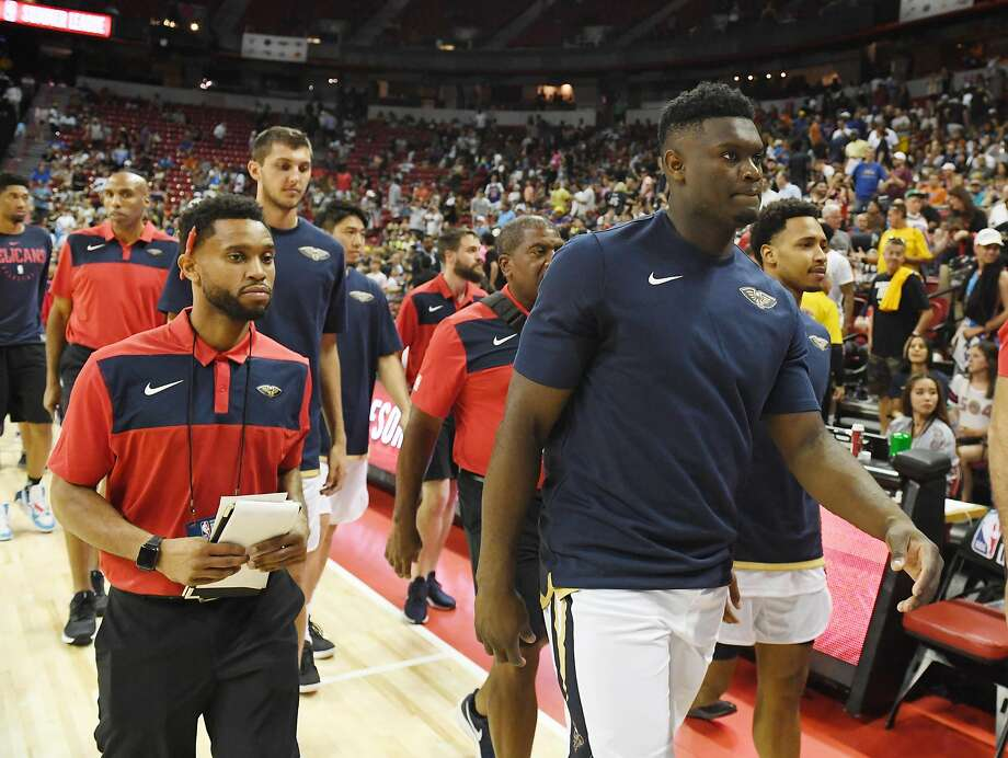 Zion Williamson, who has a bruised knee, won't play in the rest of the summer league after the Pelicans announced Saturday they were holding out as a precautionary move. Photo: Ethan Miller / Getty Images