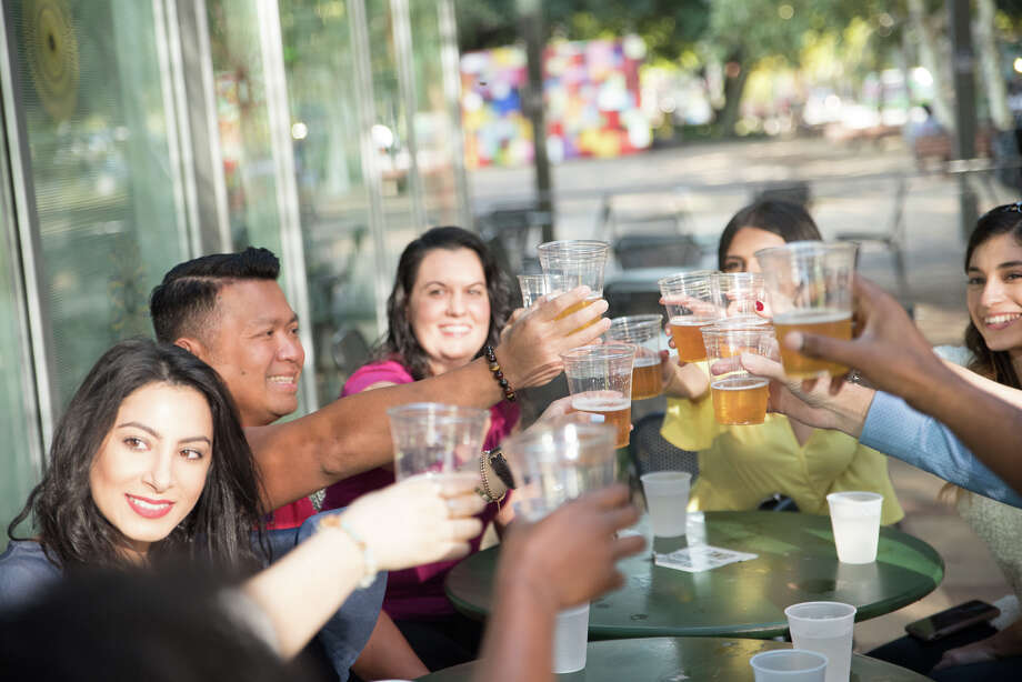 Best Bites Houston is a new walking tour of downtown Houston that combines restaurant dining with history and culture. The three-hour tour stops at five restaurants and bars for bites and drinks. Photo: Best Bites Houston
