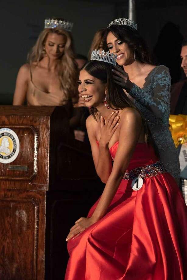 Marcela Ayala was crowned Miss Southwest Texas 2019 on Saturday night at La Posada's San Agustin Ballroom. Photo: Christian Alejandro Ocampo /Laredo Morning Times