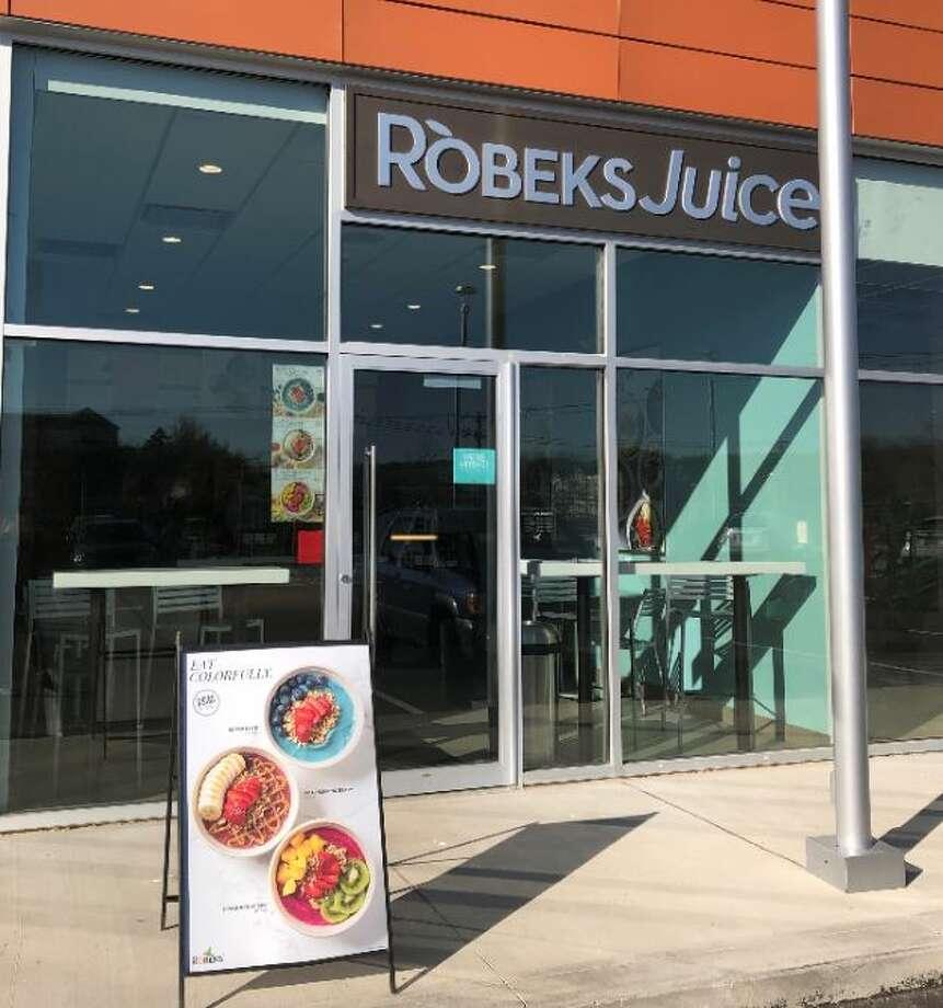 Robeks at 110 Commerce Dr, Ste 114 in Shelton, CT Photo: Robeks