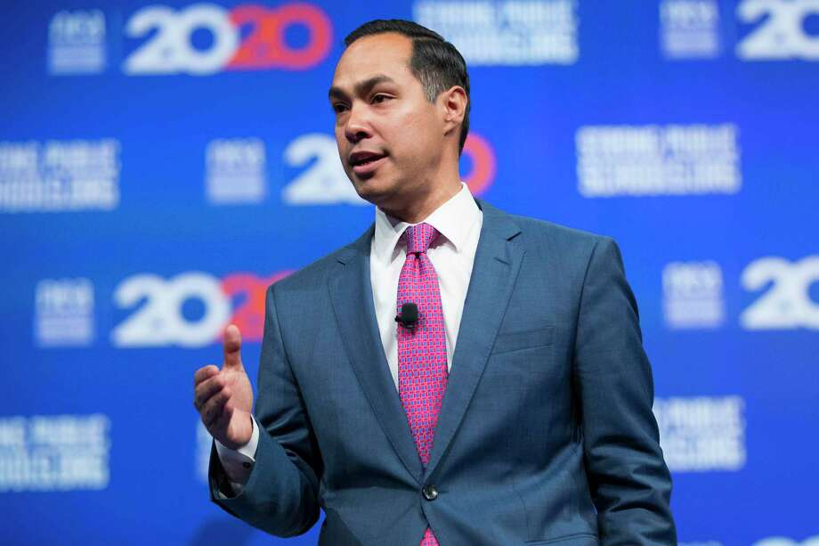 As a presidential candidate, former San Antonio Mayor Julián Castro was outspoken about the need for police reform. He will join the Express-News Editorial Board for a live conversation about reforms and how the nation moves forward in the wake of George Floyd's death. Photo: Brett Coomer /Staff Photographer / © 2019 Houston Chronicle