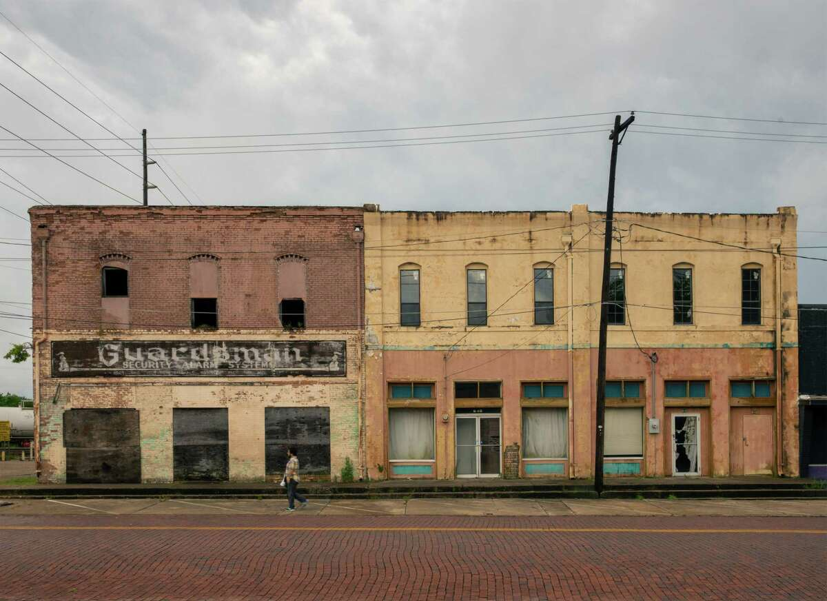 Buildings along East Methvin Street in Longview, Texas, June 19, 2019. Few parts of America have nurtured faster job growth than Texas in the years since the 2008 financial crisis, but that growth has largely left cities like Longview behind. (Bryan Schutmaat/The New York Times)