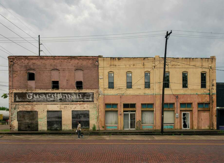 Buildings along East Methvin Street in Longview, Texas, June 19, 2019. Few parts of America have nurtured faster job growth than Texas in the years since the 2008 financial crisis, but that growth has largely left cities like Longview behind. (Bryan Schutmaat/The New York Times) Photo: BRYAN SCHUTMAAT, NYT / NYTNS
